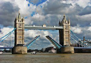 tower bridge. londra, agentie de turism